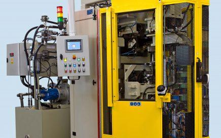 Maschine zum Verschließen von Stoßdämpfergehäusen